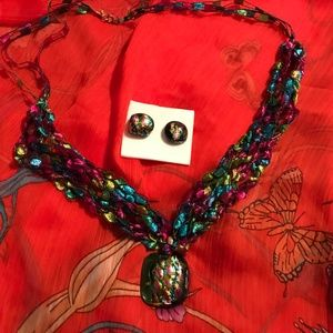 Colorful and beautiful necklace and earrings!